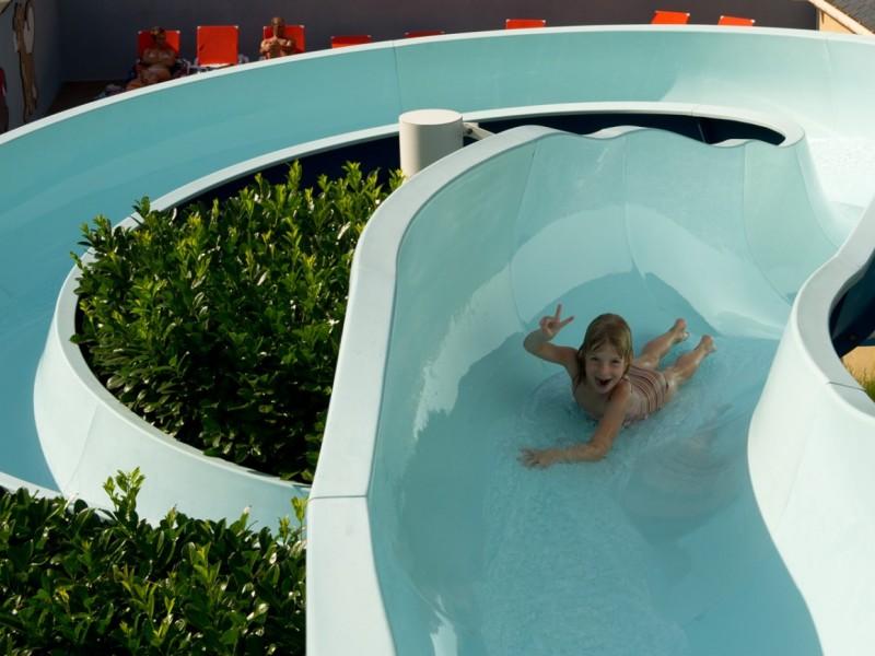 Camping piscine dans les hautes pyr n es luz saint sauveur for Camping haute pyrenees avec piscine